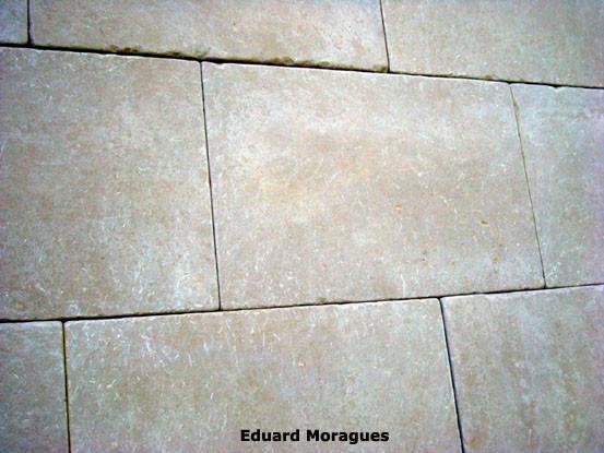 Eduard moragues pavimento antideslizante de piedra en lleida - Suelo exterior antideslizante ...