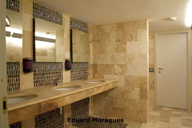 Eduard moragues piedra para decoraci n de ba os for Marmol travertino chile