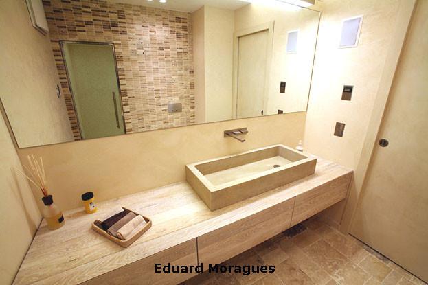 Eduard moragues encimeras de ba o con m rmoles y piedras - Color marfil en paredes ...