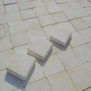 taco de mármol crema marfil envejecido mediante bombo