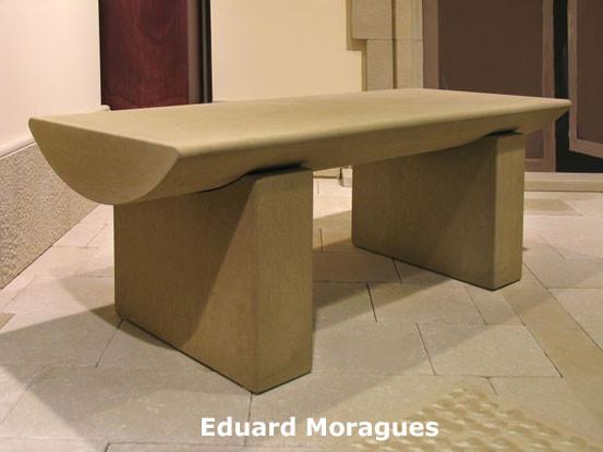 Eduard Moragues: Mobiliario exterior de Piedras Naturales, banco