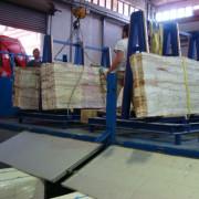 camión cargado de onix maya