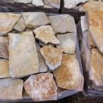 piedra amarilla irregular en laja