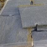 cuarcita gris irregular en laja