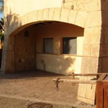 Arcos macizos de piedra, Port Aventura