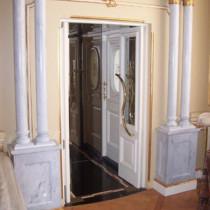 decoración con columnas de mámol