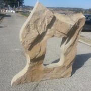monolito de piedra de diseño